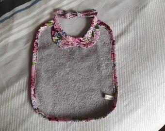 Baby bib girl 0-12 months.