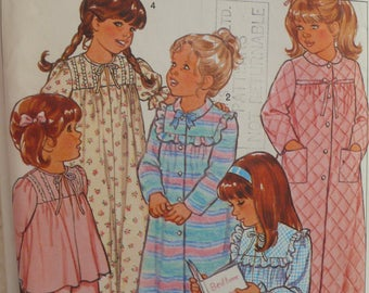 Children's Housecoat, Nightgown, Pajamas Pattern - Vintage Style 3732 - Size 4