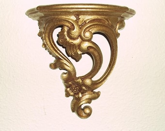 Brilliant Gold Gilt SYROCO Wood Wall Shelf