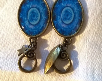 reduced price. See summary. Cabochon of amazing blue rosette