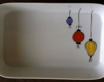 Small porcelain blue, Red Chinese lanterns trio dish
