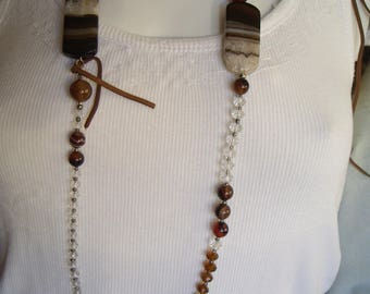 Necklace agate two-tone Brown transparent, faceted beads.