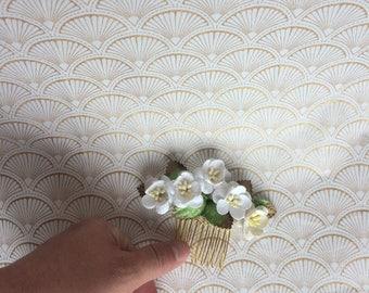 Small white cherry blossom comb