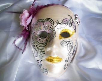 Pearly plaster Venetian style mask