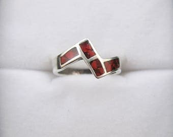 Sterling Silver Native American Navajo Coral Stacking Women's Ring Size 5 Vintage
