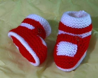 """Running"" wool baby booties"