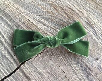 ST. Patrick's DAy - moss GREEN - Hand tied - velvet bow - baby - toddler - alligator clip - nylon headband -JANIE style