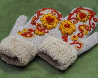 Mittens with an exclusive  embroidery