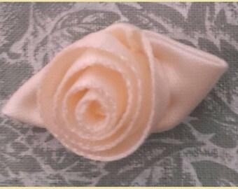 BOUTON De Rose Ruban Satin  -  - Lot de 3 roses même couleur