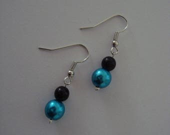 Pair of earrings, turquoise and black