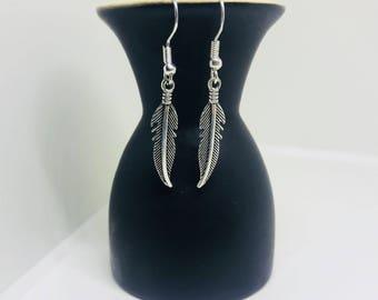 Silver feather earrings | Dangle earrings | Feather jewellery | Feather jewelry | Drop earrings | Feather accessories
