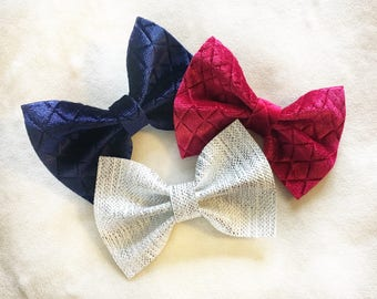 Holiday Pinch Bow