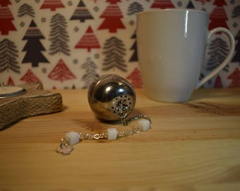Infuse tea and herbal teas with angel pendant and beads