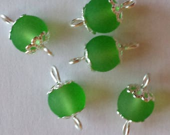 5 connectors 8mm frosted green glass beads