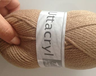 brand new ball taupe white horse