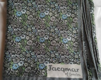 Vintage jacqmar 26inch square scarf