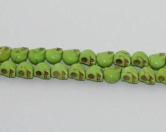 20 small beads skulls green howlite