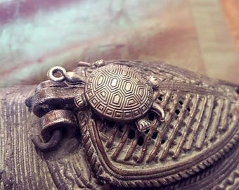 beautiful turtle pendant in antique bronze metal