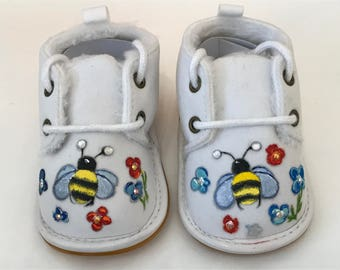 Baby shoes - hand-painted shoes / Baker