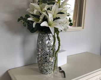 ARTIFICIAL ARRANGEMENT Mirrored mosaic vase arrangement with white lillies and hydrangeas