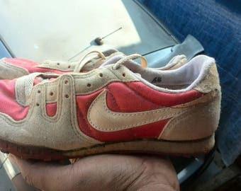 Vintage nike running.shoes for.collection..saiz 6.5 UK..