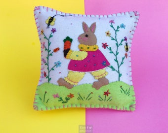 bunny and carrots decorative pillow / home decoration / rabbit decoration / easter decor / easter primitive decoration / primitive pillow