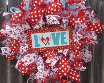 Heart wreath, valentines wreath, valentines day wreath, front door wreath, wreath for front door, wreath for Valentine's day