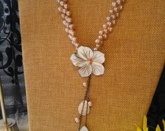 Pearl Shell Flower Necklace
