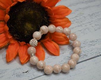 Cute and Fashionable Beaded Bracelet