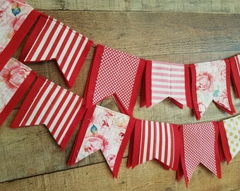 Valentine Day Felt Scrap Bunting - Felt Banner Double Sided - 3 feet - Fabric scrap Valentine Garland Banner Bunting - RED background