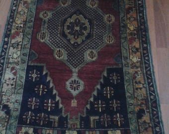 4.5 x 8.5     137x257cm hand knotted Turkish rug  Yahyalı Kayseri 90 years good condition
