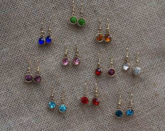 Single pair of dangle Earrings
