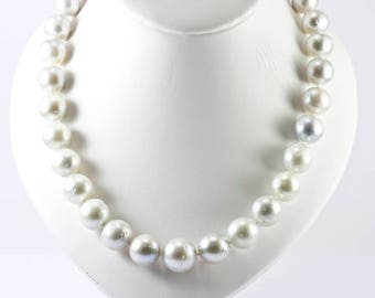 Great exclusive necklace Australia 13-17 mm white South Sea cultured pearls