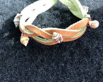 Small shells and leather bracelet