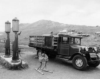 Bodie - Old truck & gas station