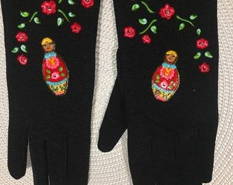 """Gloves matryoshka Designer """"when the chickens have gloves."""