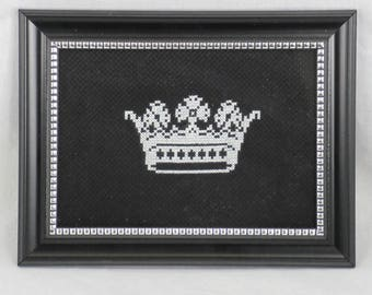 Finished Cross Stitch/Embroidery/Black and White/Gift/Crown
