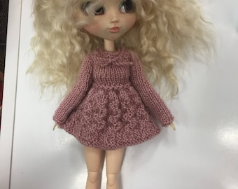 Pullip outfit Dress + leg warmers + lace for hair/dress + leggings + lace hair