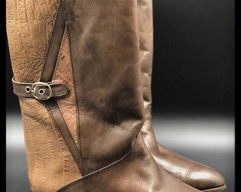 Vintage style boots.