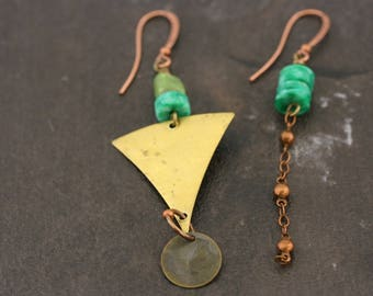 Mismatched earrings. On point for Winter. Copper, brass, vintage.