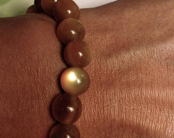 Flash Sale 1950s Vintage Amber Gold Moonglow Lucite Bead Beaded Stretch Bracelet 8mm Retro Pin Up Jewelry Stacking Bangle