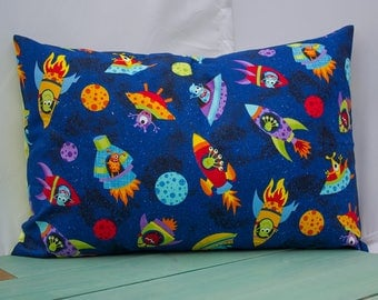 Space Aliens  Pillowcase - fits 13 x 18 Travel or Toddler Pillow
