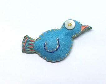Bird pin, blue bird brooch, embroidered felt pin, blue bird embroidery, folk art blue bird, bird brooch, bird jewelry, bird accessories