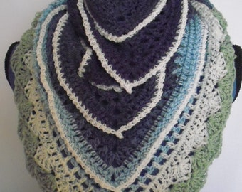 women's crochet shawl/scarf   CS1315