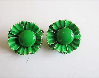 FREE SHIPPING Green Enamel Flower Floral Clip Earrings