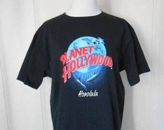 Closing Shop 40%off SALE Vintage black  Planet Hollywood  Honolulu       Dolphin tourist souvenir Hawaii    tee T-shirt tshirt