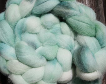Kettle Dyed Falkland Wool Top.  Soft and easy to spin. 4oz  Braid. Spin. Felt. Roving. F177
