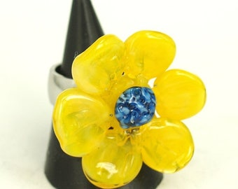 Pearly Yellow Flower Ring - Lampwork Jewelry - Lampwork Ring - Glass Bead Jewelry - Glass Bead Ring - Modern Jewelry - Floral Ring