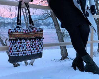 Tribal tote bag with trims
