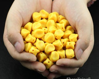Clearance Sale -  Lots of 100pcs Yellow Twisted Beads  -- CLS005Z